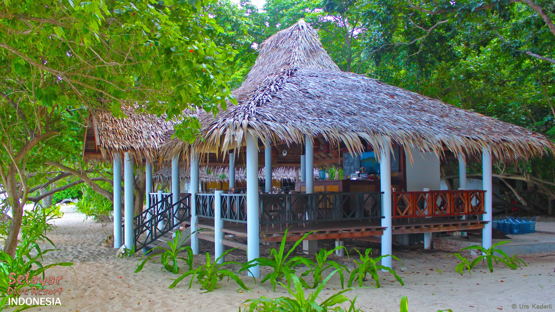 White Sand Beach Resort Indonesia Restaurant