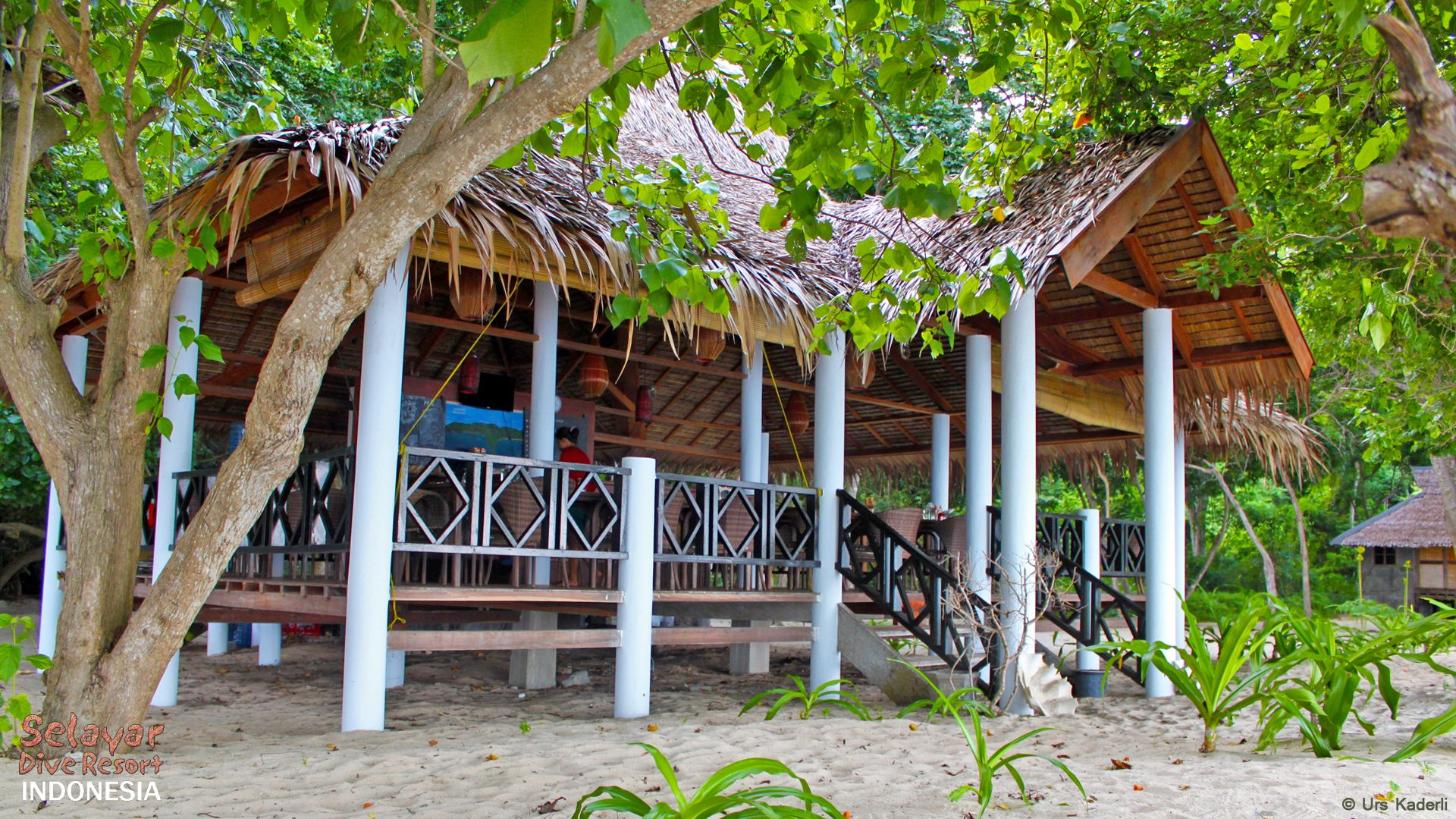 Beach Restaurant Indonesia Selayar Dive Resort Indonesia