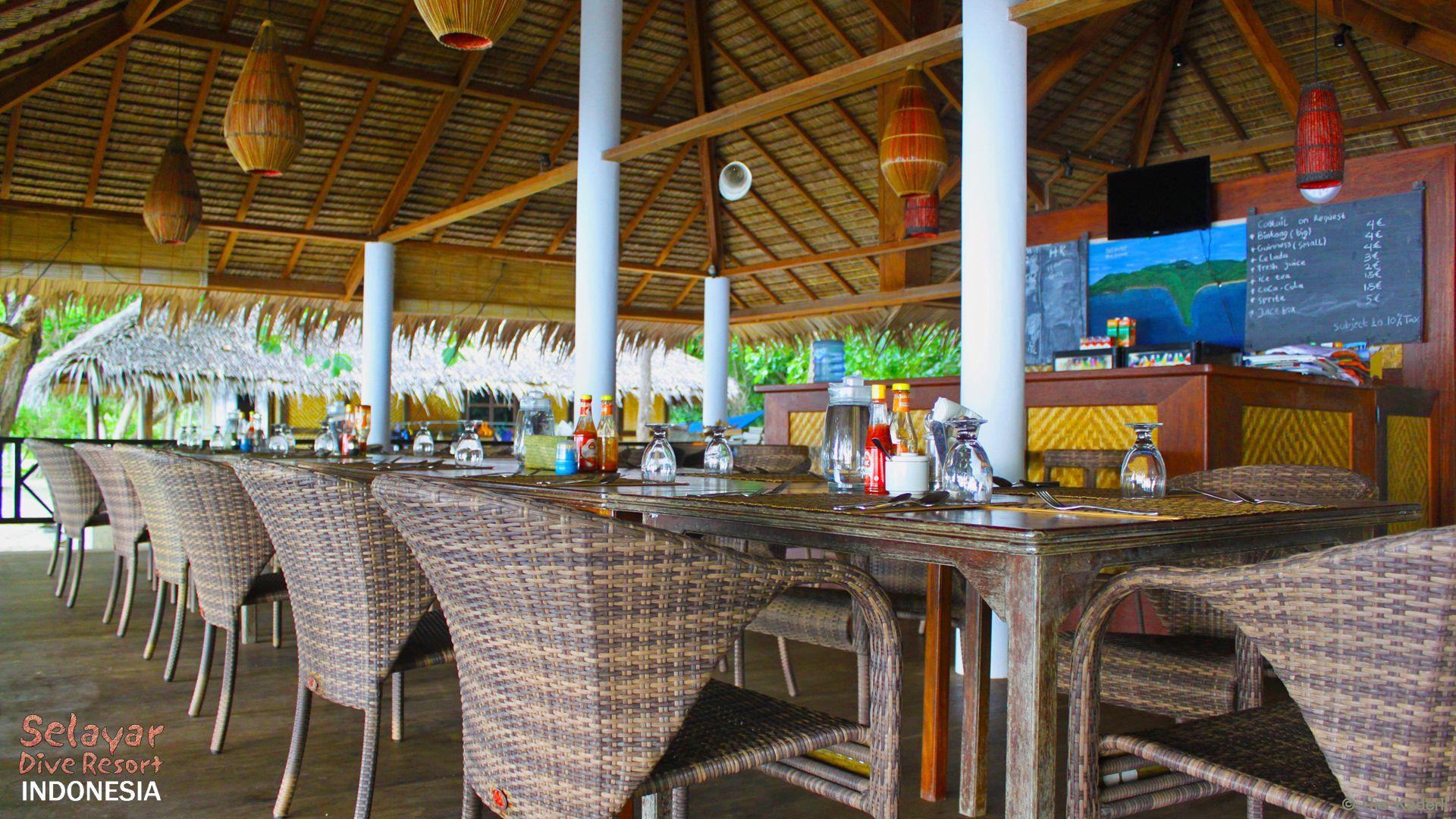 Restaurant Beach Resort Indonesia